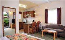 Guest Rooms-05 Lamplighter Inn & Suites at SDSU California