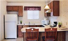 Guest Rooms-6 Lamplighter Inn & Suites at SDSU California
