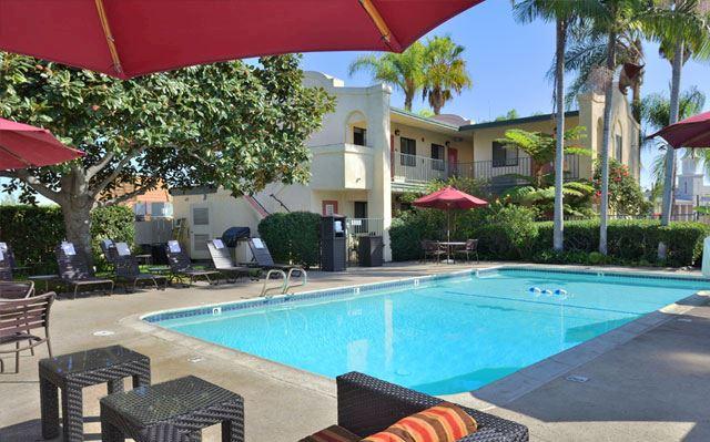 heated outdoor pool best western lamplighter inn suites at sdsu California